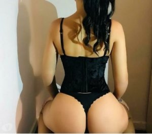 Xiomara escorts Blue Springs